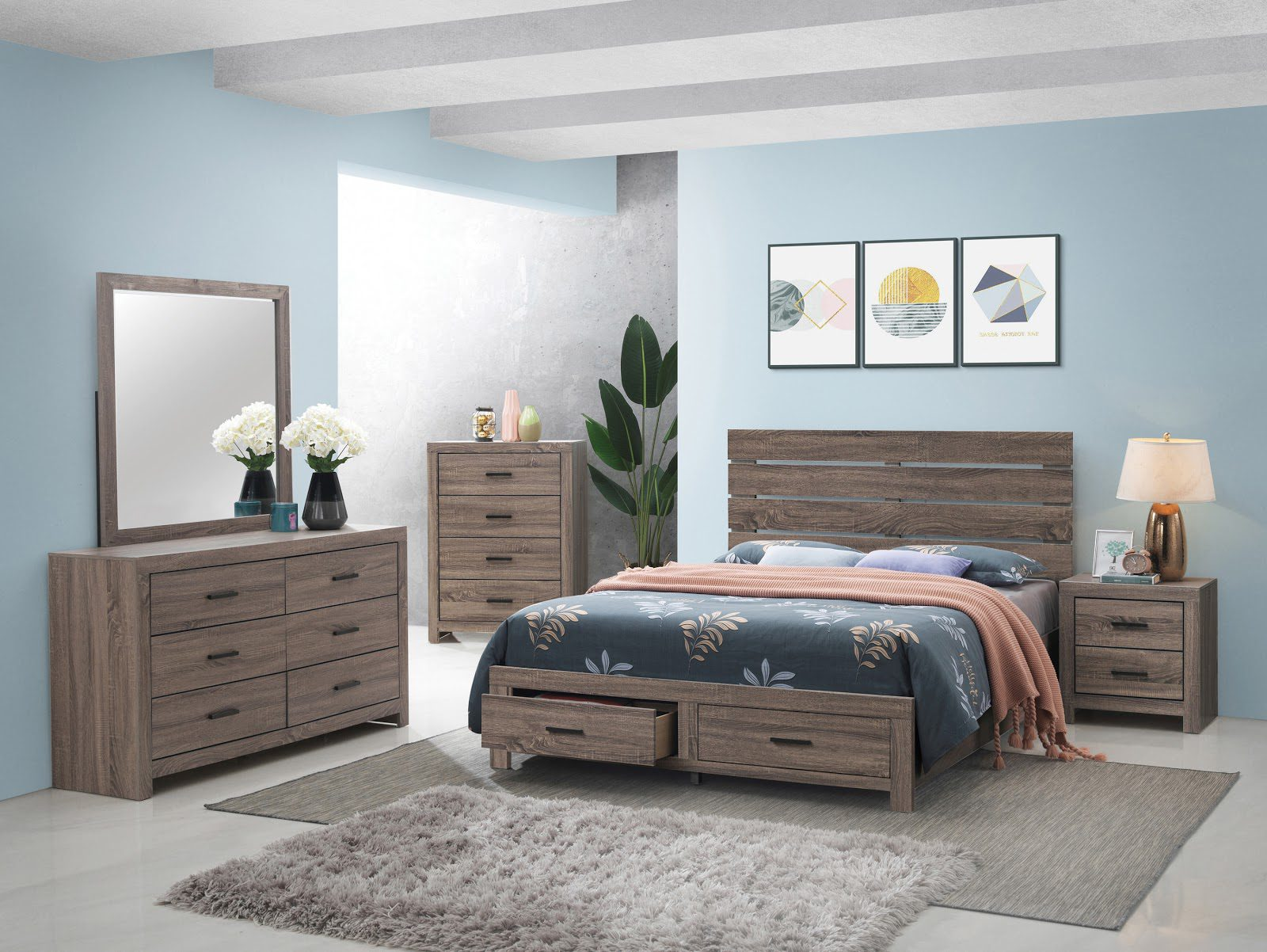 Kids bedroom furniture: A teen's bed with storage