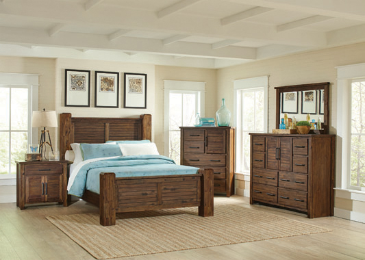 Sutter Creek Queen Bed with Block Posts Vintage Bourbon - Hover