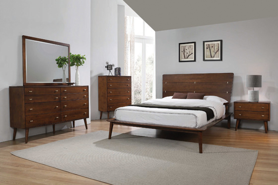 Wenham California King Platform Bed Burnt Sugar - Hover